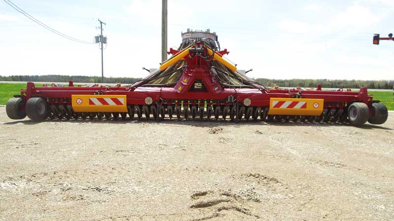 Vredo Grasslands Slurry Injector