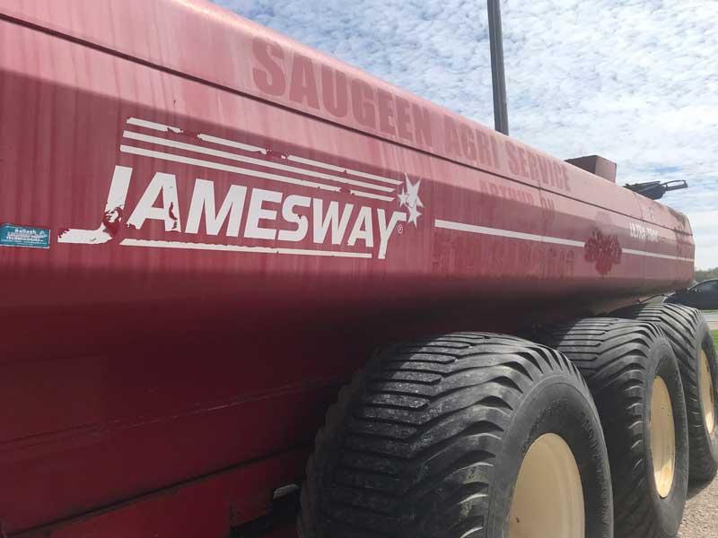 7400 Jamesway Ultra Trac Manure Tank