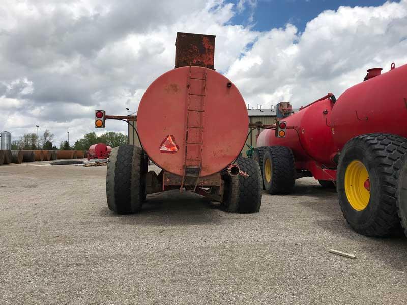 Nuhn 6750 Magnum Top Load Manure Tank